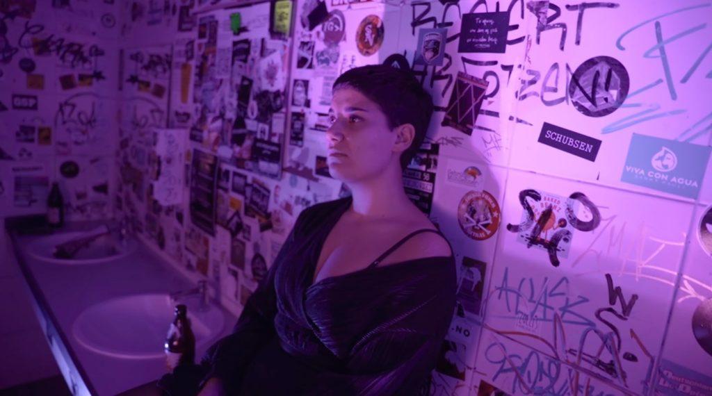 Elena Steri, Untoldency, Untoldency Magazine, Indie, Musik, Blog, Blogger, Online Indie Musik Magazin, elena steri, nürnberg, pavement, a tale of golden keys, whirling