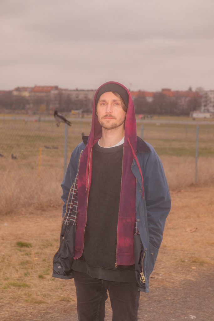 Pink-Lint-Ü-Album-Anti-Folk-Avantgarde-Pop-Art-Pop-Indie-Folk-Folk-Pop-Review-Untoldency-Untold-Music-New-music-friday